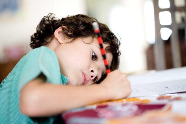 Como ensinar as crianças a fazer uma tabela de rotinas