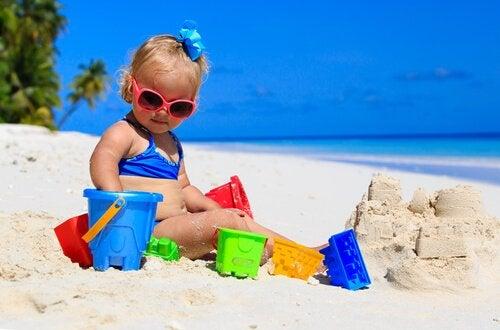As crianças podem começar a usar protetor solar desde cedo