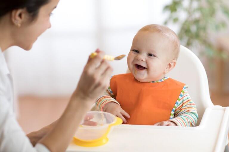 Estabelecer uma rotina de alimentação do bebê é muito importante para o funcionamento do seu corpo.