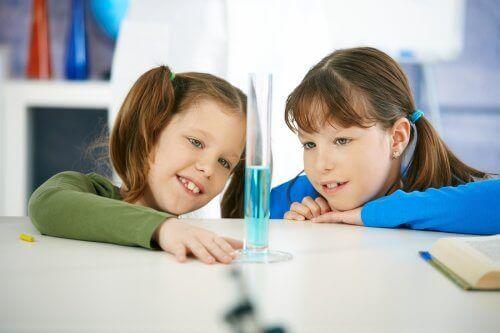 experimentos com água para crianças