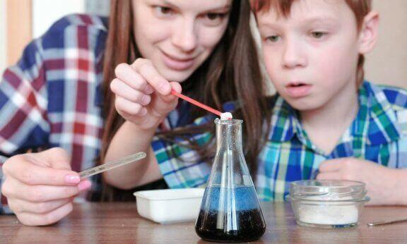 4 ideias de experimentos com água para crianças