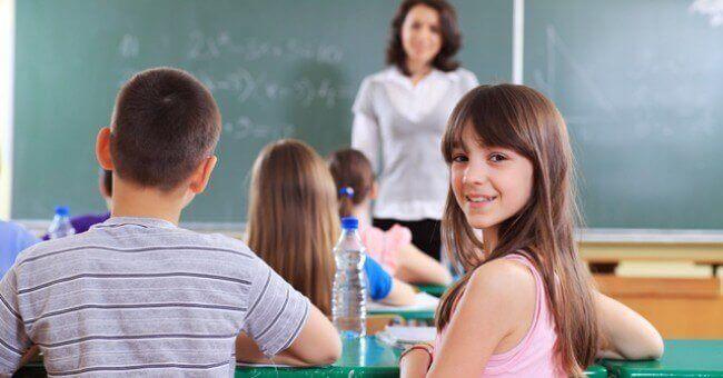 Se os irmãos devem estar na mesma classe ou não é uma pergunta de muitos pais.