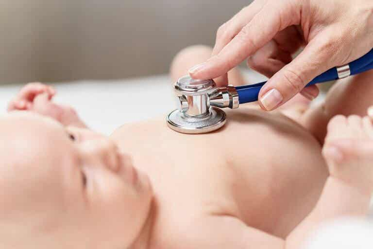 Exames feitos nos recém-nascidos