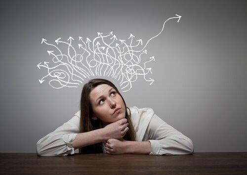 Características do desenvolvimento do pensamento formal