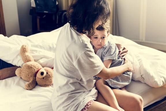 Meu filho tem pesadelos. O que devo fazer para que ele durma melhor?