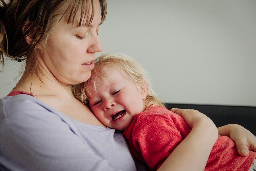 É bom ou ruim deixar o bebê chorar?