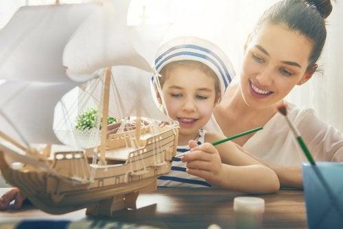 Artesanato é uma das atividades para fazer em casa com crianças.
