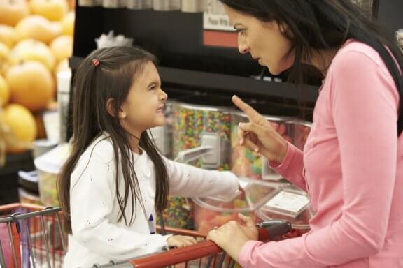 Por que não devemos dar às crianças tudo o que elas pedem?