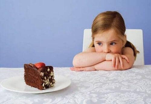 Os doces não devem fazer parte da dieta das crianças