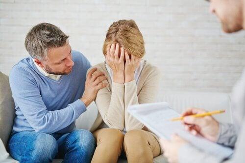O luto após um aborto pode gerar culpa.