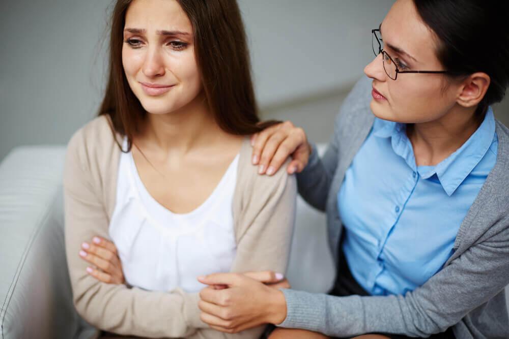 Maneiras de abordar o abuso psicológico em adolescentes
