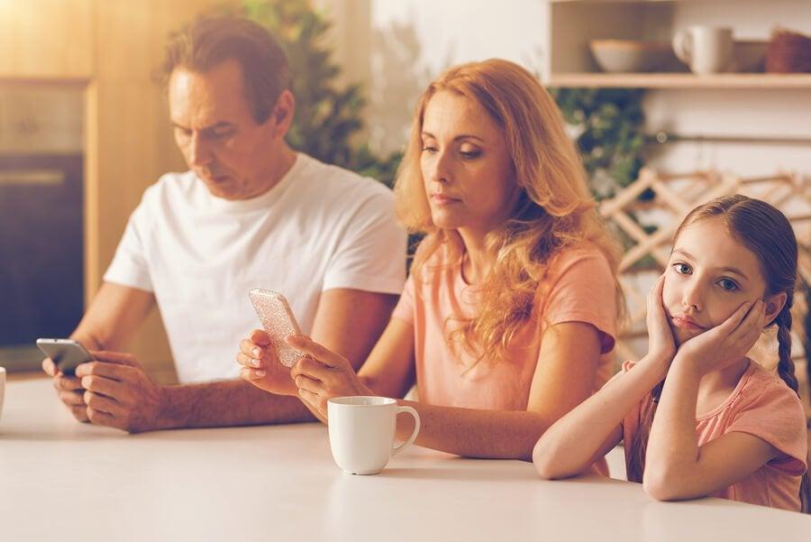 O apego evitativo em crianças e suas características
