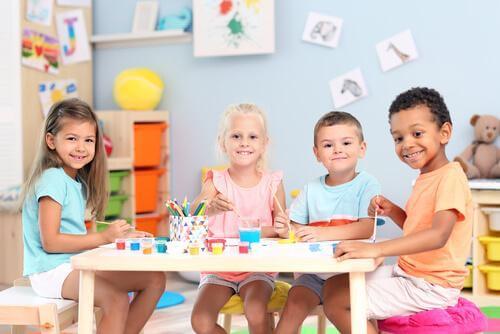 crianças na aula