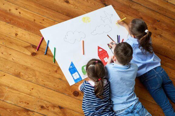 Sete maneiras de estimular a criatividade das crianças através do desenho