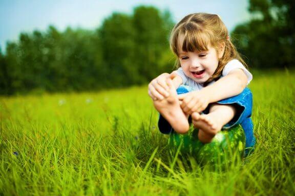 Como cuidar dos pés das crianças