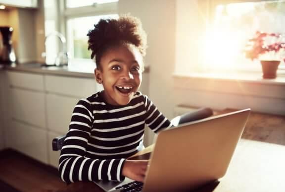 Existe idade ideal para a criança começar a usar as redes sociais