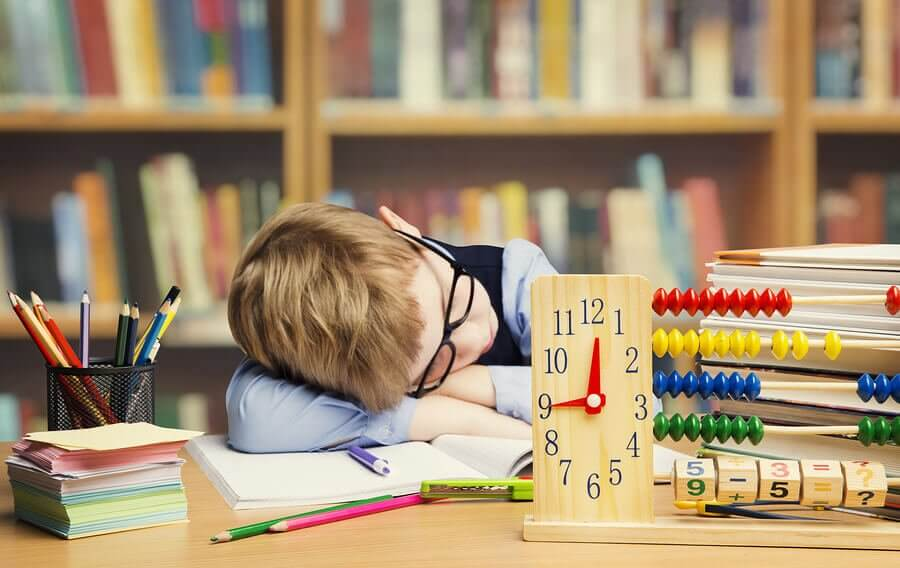 Forçar as crianças a estudar é um erro ou o melhor a fazer?
