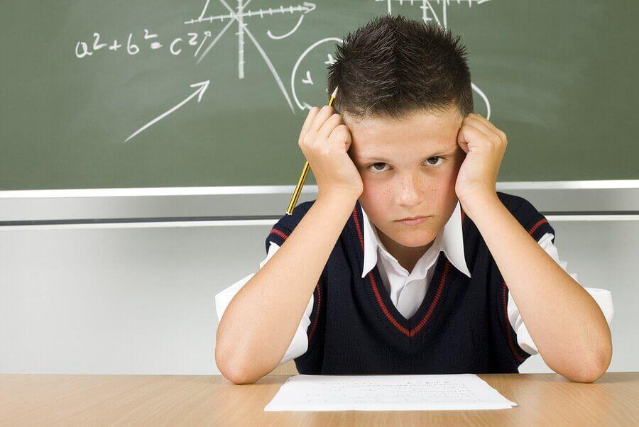 O que fazer se o meu filho tirar notas baixas?