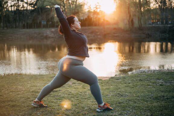 6 posturas de yoga que melhoram a fertilidade