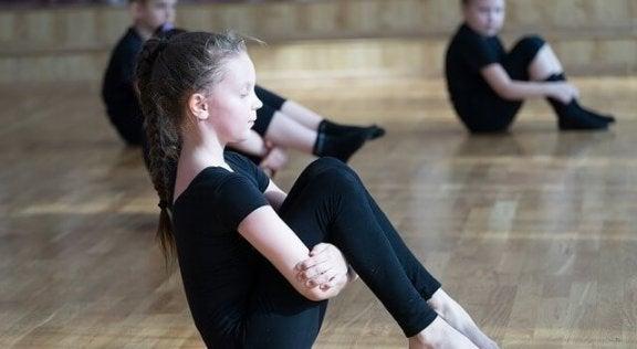 Benefícios da ginástica rítmica para crianças