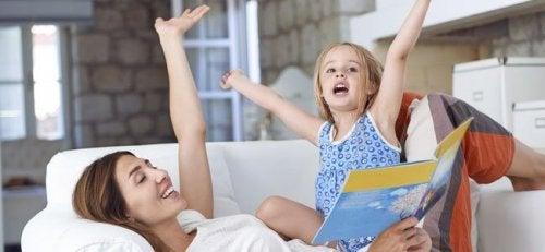 Mostre interesse em ouvir as leituras das crianças