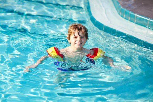 Benefícios físicos do polo aquático para crianças