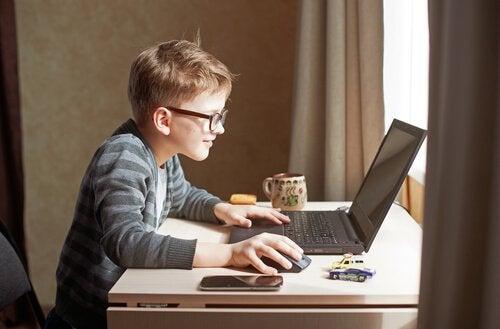 Vantagens dos cursos de informática para crianças