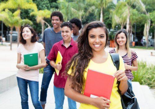 Como lidar com o primeiro dia de aula no ensino médio?