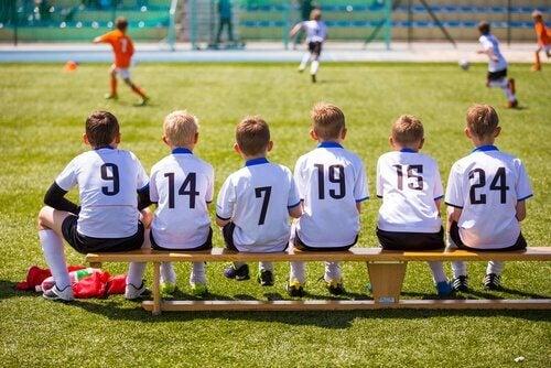 Na escola sem jogar futebol
