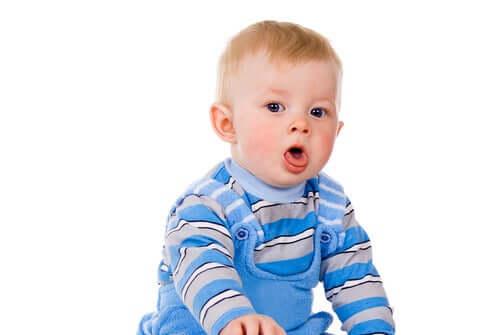 bebê com tosse
