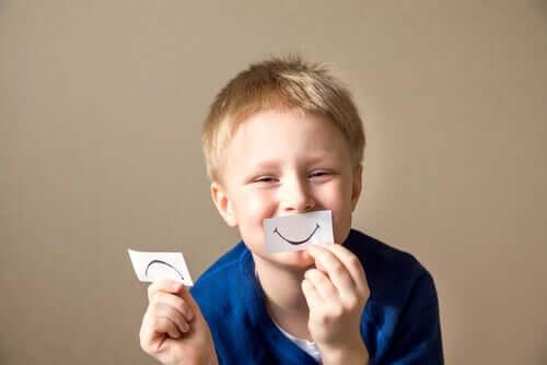 Ajudar as crianças a canalizarem suas emoções é uma lição muito importante.