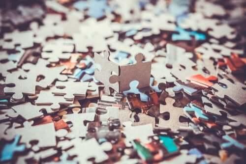 Os quebra-cabeças desenvolvem a inteligência visuoespacial