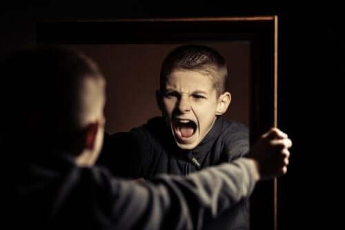Os problemas de conduta dos jovens