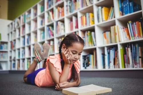 Razões para levar as crianças à biblioteca