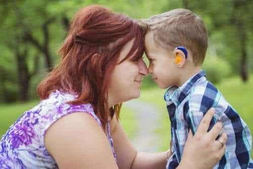 Ser mãe de uma criança com surdez
