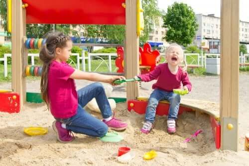3 dicas para ajudar o seu filho a resolver conflitos