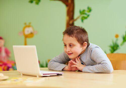 crianças com deficiência intelectual