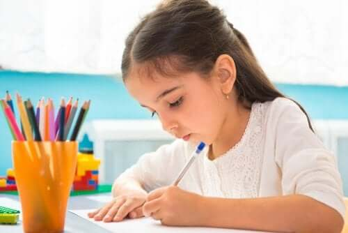 Ensinar as crianças a fazer esquemas para estudar