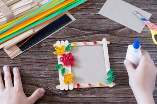 Artesanatos elaborados com macarrão para as crianças