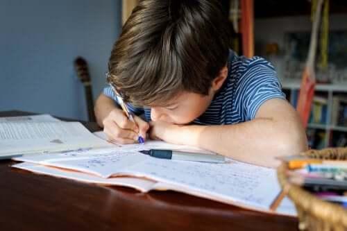 Como criar um bom espaço para a lição de casa