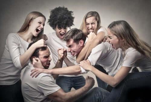 Mais empatia e menos competitividade na adolescência