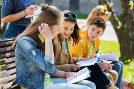 Benefícios dos cursos de verão para adolescentes
