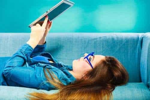 LIJ por meio de plataformas de distribuição de e-books
