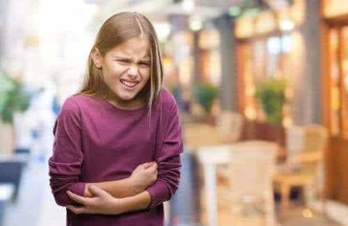 Meu filho está com dor de barriga: o que fazer para aliviar a dor?