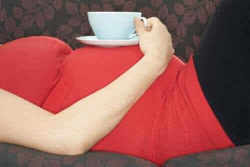 Vantagens e desvantagens do chá verde durante a gravidez