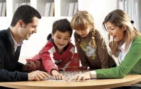 alcançar a felicidade em uma família reconstituída