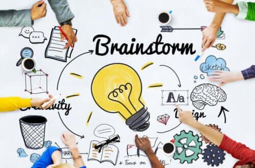 Brainstorming para a realização de trabalhos em grupo