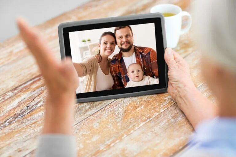 Ligações com vídeo: como a tecnologia nos ajuda durante a quarentena