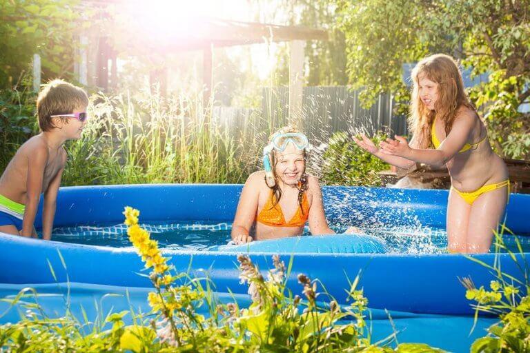Piscinas infláveis para o verão