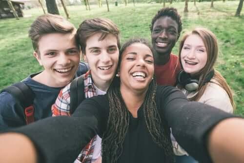Adolescentes imigrantes
